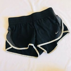 NIKE DRI FIT RUNNING WORKOUT BLACK GYM SHORTS